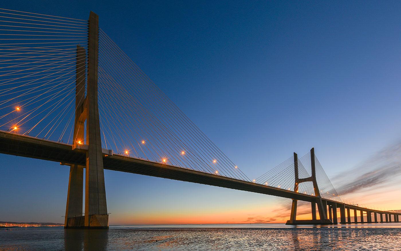 case history ponte 25 aprile Lisbona, Sinelec